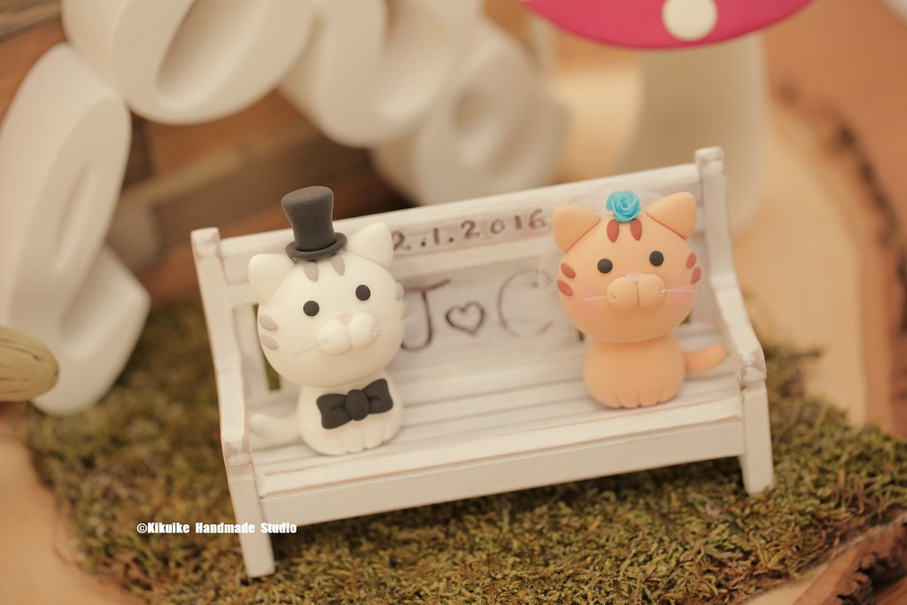 Excellent Cat And Kitty With Handmade Wooden Garden Bench Wedding Ca Inzonedesignstudio Interior Chair Design Inzonedesignstudiocom