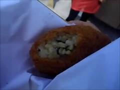L'arancina integrale con spinaci e il vino bianco allo Streeat Food Truck Festival
