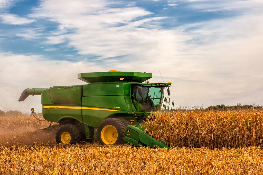 JD S680 Combine with 12 row corn head   Sony A700 Tamron 17-…   Flickr