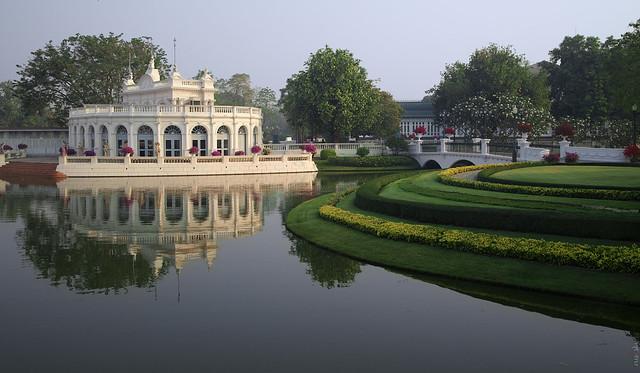 RUS32908(Royal residence Bang Pa-In. Tevaraj-Kantai Gate)