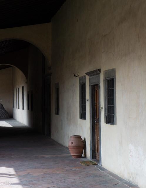 San Lorenzo cloister (Il Chiostro dei Canonici). Florence 2014