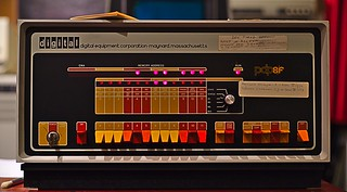PDP-8/f dumping its core memory | by dvanzuijlekom