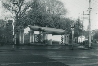 Botanic Gardens Entrance with new Public Toilets 1968