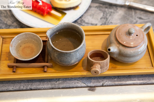 My mother's dongding oolong (凍頂) tea