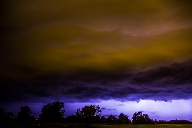 100214 -  Approaching Nebraska Shelf Cloud