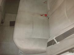 Prius taxi. Lavado Integral asiento trasero izquierdo. Despuéses
