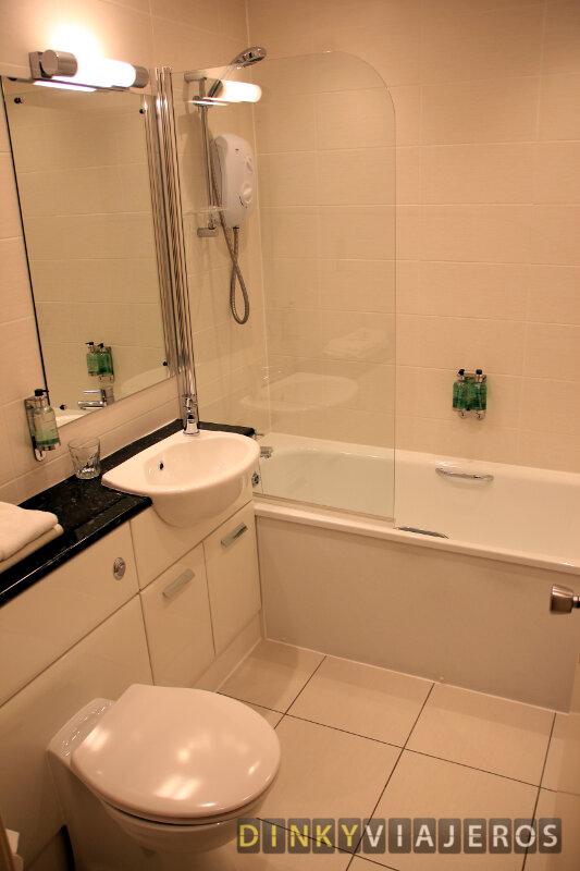 Skene House HotelSuites Rosemount. Baño