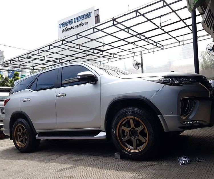 Fortuner With Rays Te37 Smmotorsport Smmotorsport Jual