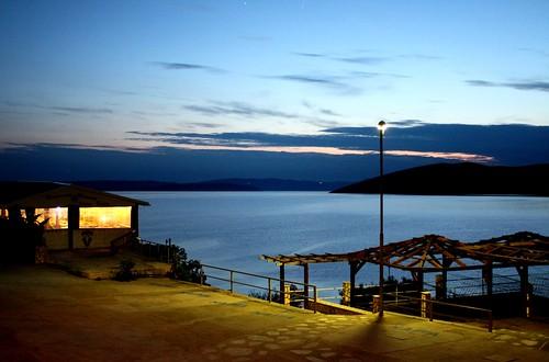 croazia baska mare see spiaggia strand beach night notturno pontile pier meer sea canon450d fabriziolucchese tramonto sunset sonnenuntergang hrvatska kroatien croatia veglia krk