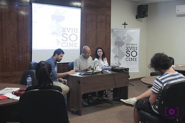 Alex Sandro Martoni, Denilson Lopes e Angela Freire Prysthon falam acerca de ambiências cinematográficas Foto - Thais Mesquita