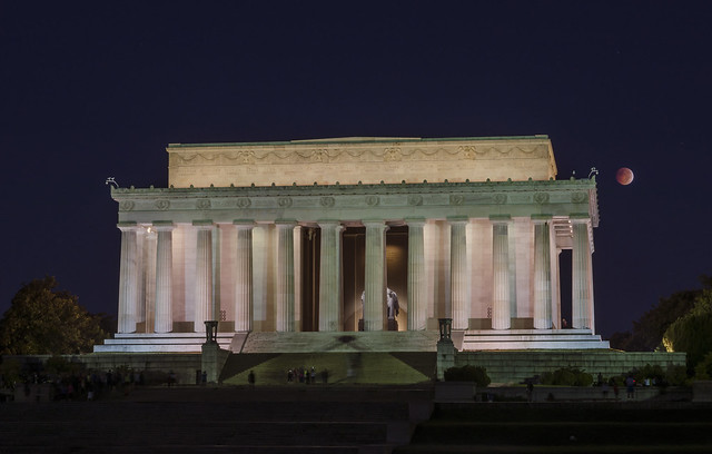 Blood Moon over Lincoln Memorial