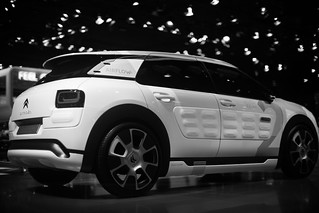 Impressions-at-Paris-Motor-Show-2014_004