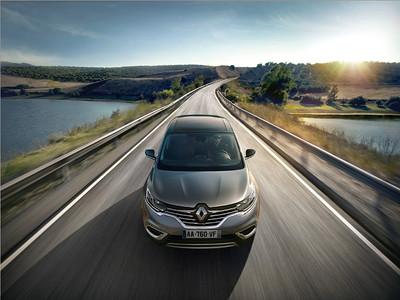 Renault-Espace-Paris-2014-01