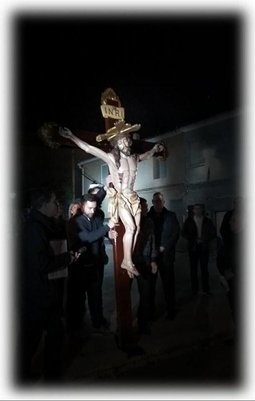 (2017-04-07) - VIII Vía Crucis nocturno - Victor Vicedo Ibañez (07)