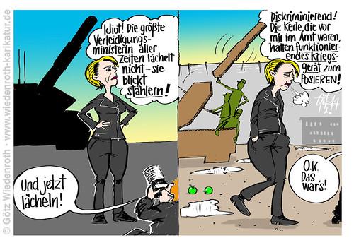 Bundeswehr: Arme Ursula von der Leyen. Da ist er wieder, der Mehltau der Frauendiskriminierung. | by Götz Wiedenroth • www.wiedenroth-karikatur.de