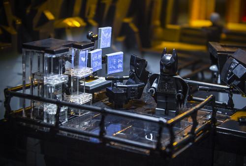Dark Knight Rises Batcave Platform Details
