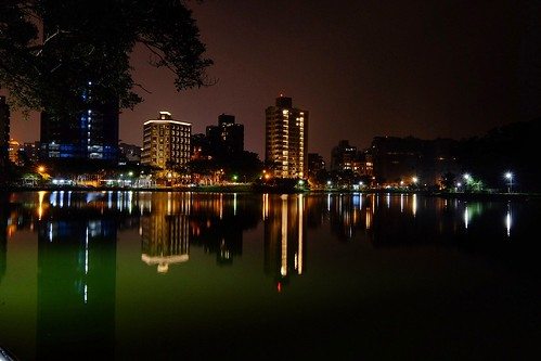 taiwan taipei nightview light lake fujifilm xt1 xf1024 building 碧湖公園