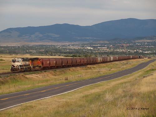 railroad train track grain bnsf