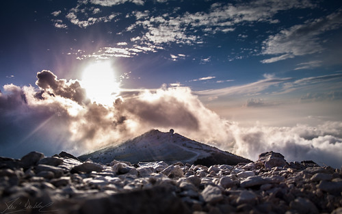 Rocks Over The Clouds (A67)   by Darblanc ( http://darblanc.com )