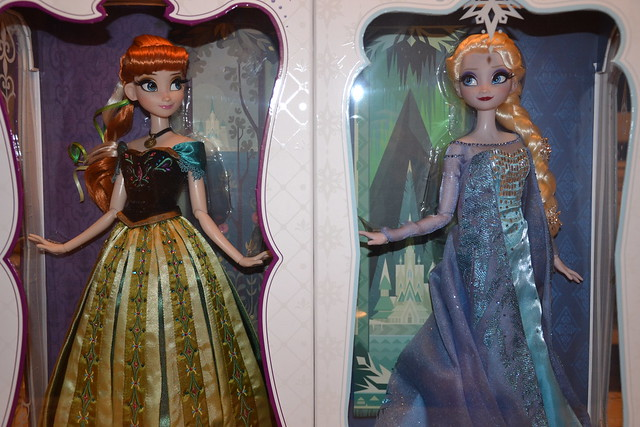 Limited Edition Doll Anna 2282 / 2500 and Elsa Limited Edition Doll 1625 / 2500