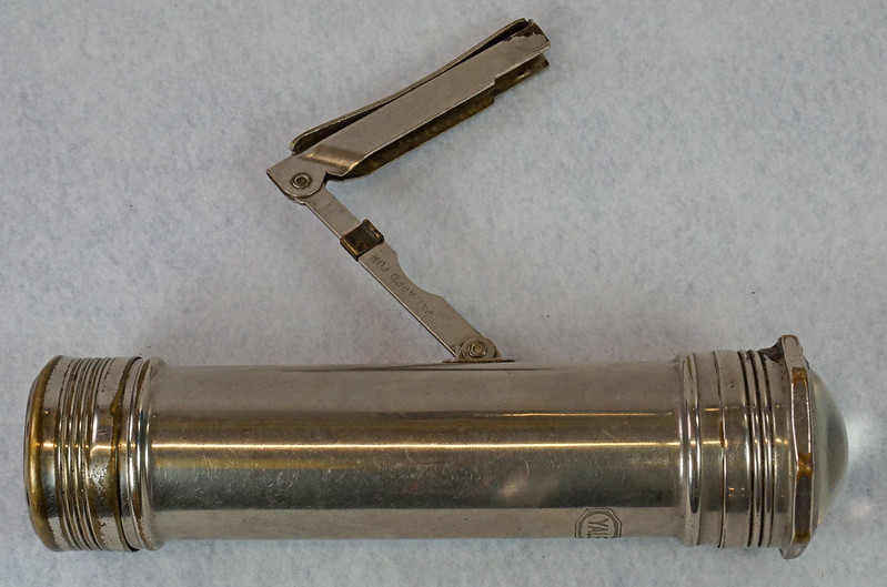RD15513 Vintage YALE  Corp Flashlight Car Accessory for 102 Battery Rolls Royce Cadillac with Mounting Bracket DSC09476
