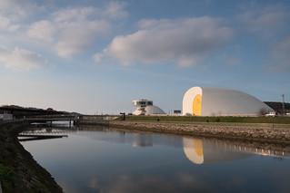 Al otro lado del Niemeyer | by josema