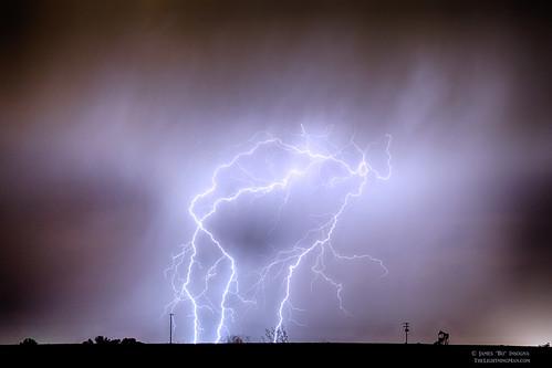 sky nature rain night canon landscapes colorado lightning lightening striking storms electrical monsoons thunderstorms oilwells pumpjack lightningbolts jamesinsogna coloradothundersorms