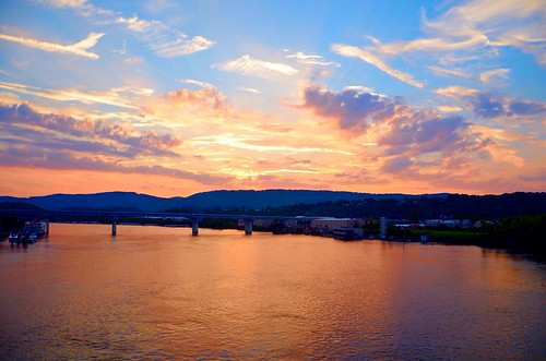 blue sunset red sky orange white water beautiful yellow clouds evening twilight flickr ray glow dusk tennessee district north shore refelction tennesseeriver chattanoogatn
