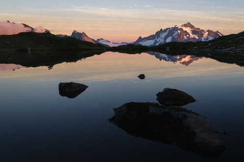 camping sunset mountains reflection nature water outdoors pond rocks view northwest hiking kitlens alpine backpacking cascades pacificnorthwest vista wa 1855mm washingtonstate tarn pnw goldenhour northcascades shuksan cascademountains meadown sefrit d3100