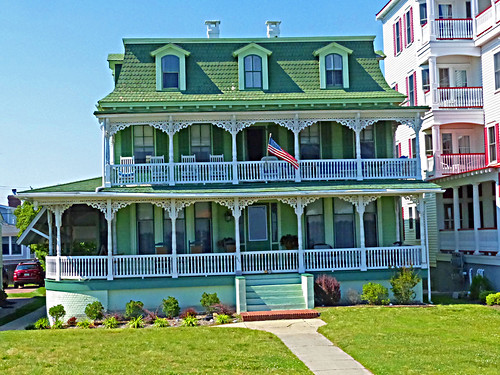 beach architecture bread ginger seaside newjersey gingerbread americanflag capemay gingerbreadhouse jerseyshore railings rockingchairs beachhouse greenroof dormers porches frontsteps capemaycounty barrierisland ballistars 924beachave