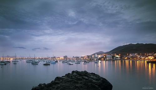 ancon sunrise lights peru lima playahermosa bluehour lightburst bahiadeancon fog dawn