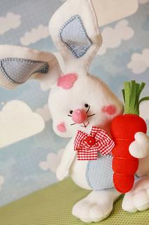 Textilből is lehet húsvéti ajándékot, tojást, pipit és nyuszit készíteni! Éljétek ki kreativitásotokat Ti is!
