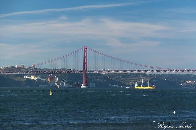 25 de Abril bridge.
