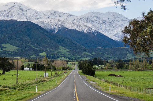 Long road in to Kaikoura | by Kiwi Tom