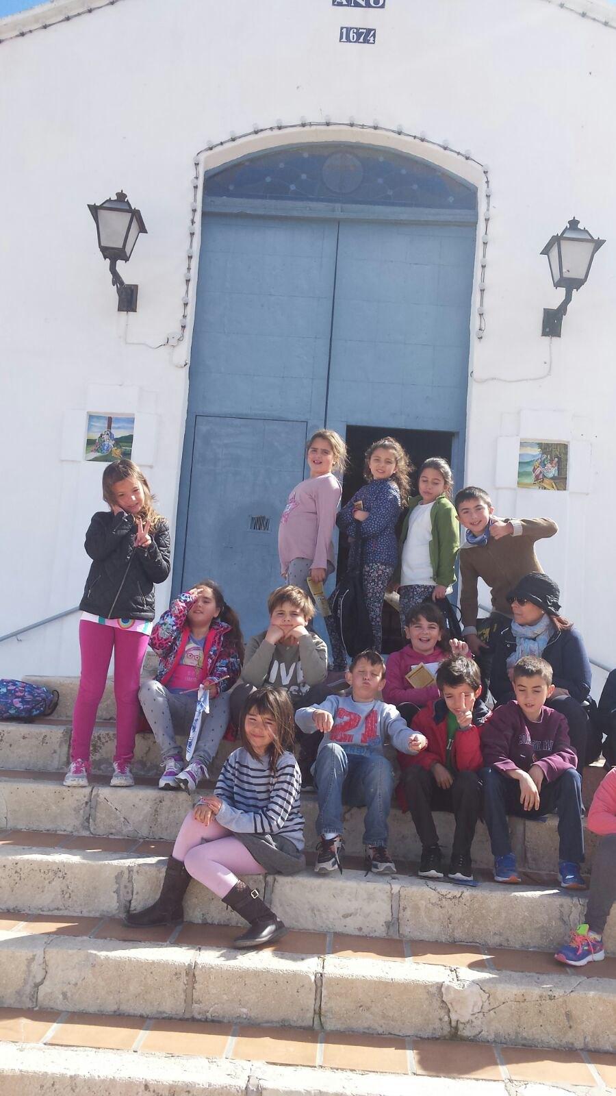 (2017-03-27) - Visita ermita alumnos Laura, profesora religión Reina Sofia - Marzo -  María Isabel Berenguer Brotons (01)