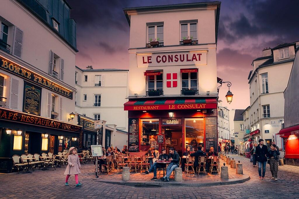 MONTMARTRE PARIS street photography