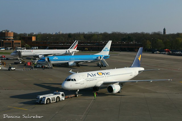 Air One, EI-DSZ at Berlin Tegel Airport, TXL