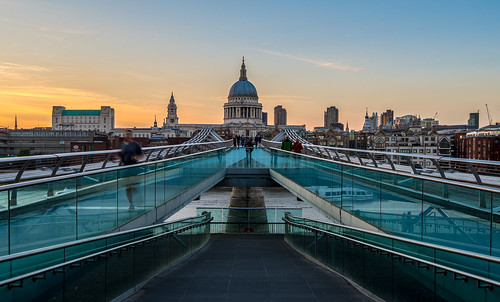 uk bridge england london thames architecture modern evening abend nikon cityscape cathedral contemporary millenniumbridge architektur brücke themse d610 1635mm stpaul's stadtlandschaft stpaul'scathedral carstenheyer