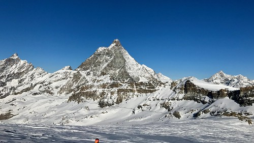Skiing in Cervinia | by ndimmock