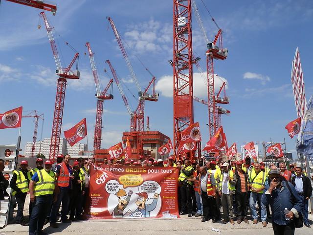 « Les mêmes droits pour tous » sur le chantier de construction du nouveau Palais de justice, Paris Porte de Clichy