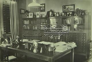 Kantoor interieur | by Stichting Surinaams Museum