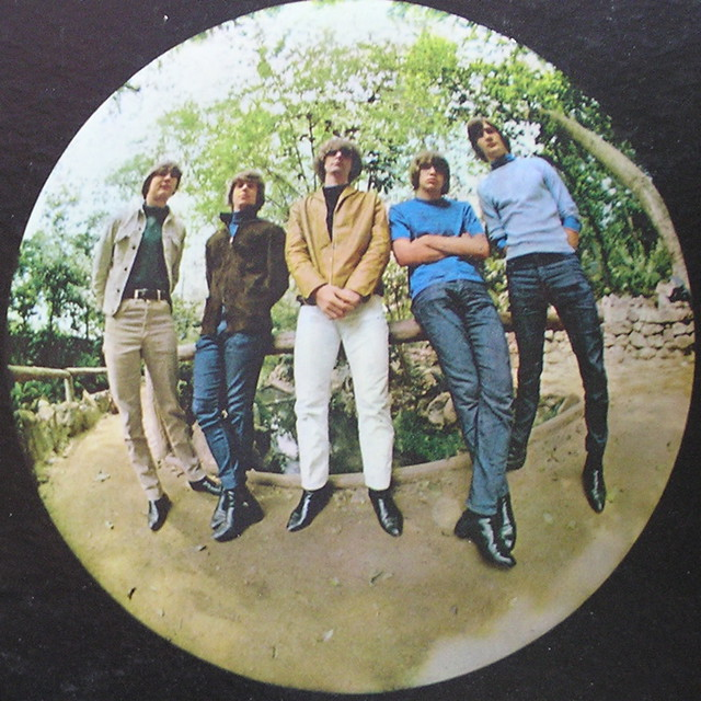 record jacket: the byrds