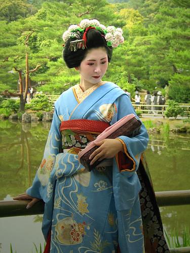 بدون مقدمات شوفو الصور هاد سلبي اللبس الياباني