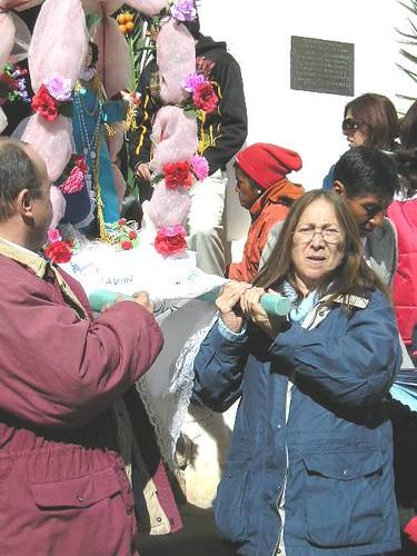 Llevando la Virgen de la Asunción, en Casabindo