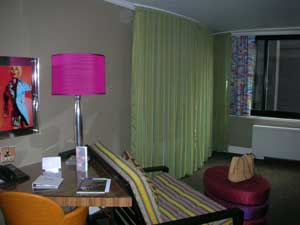 lounge in room