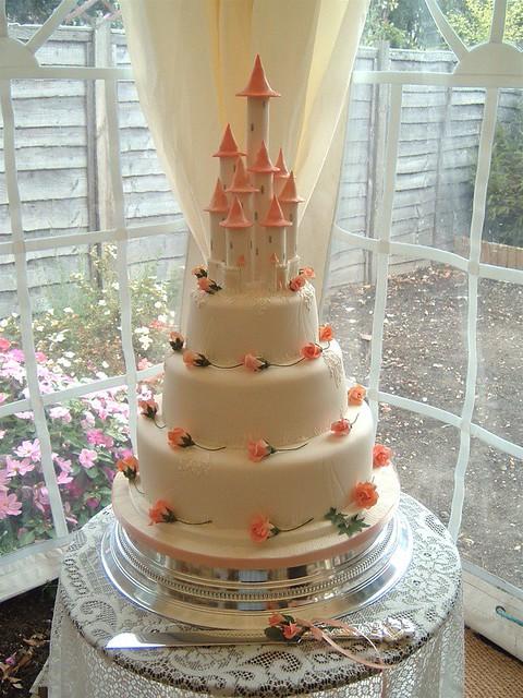 Castle Wedding Cake.Fairy Castle Wedding Cake Taken From A Design By Ann Picka Flickr