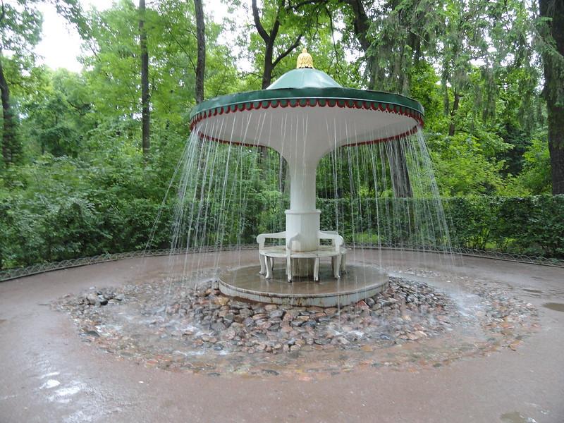 petergof_trick_fountain