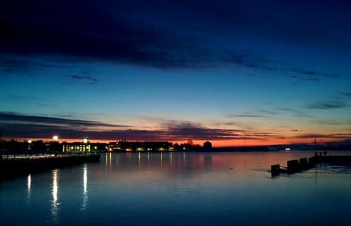 sunrise waterfront ygk smartphone dawn