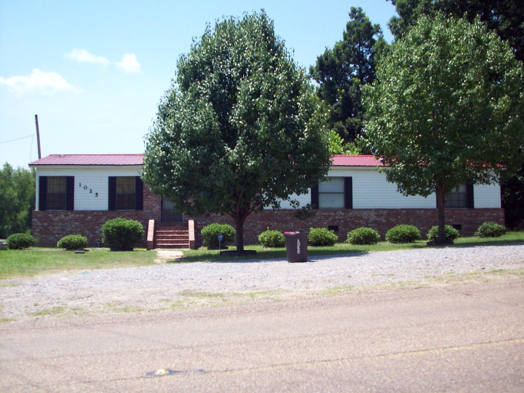 Brick Skirting Here Is A Very Nice Double Wide Mobile Home