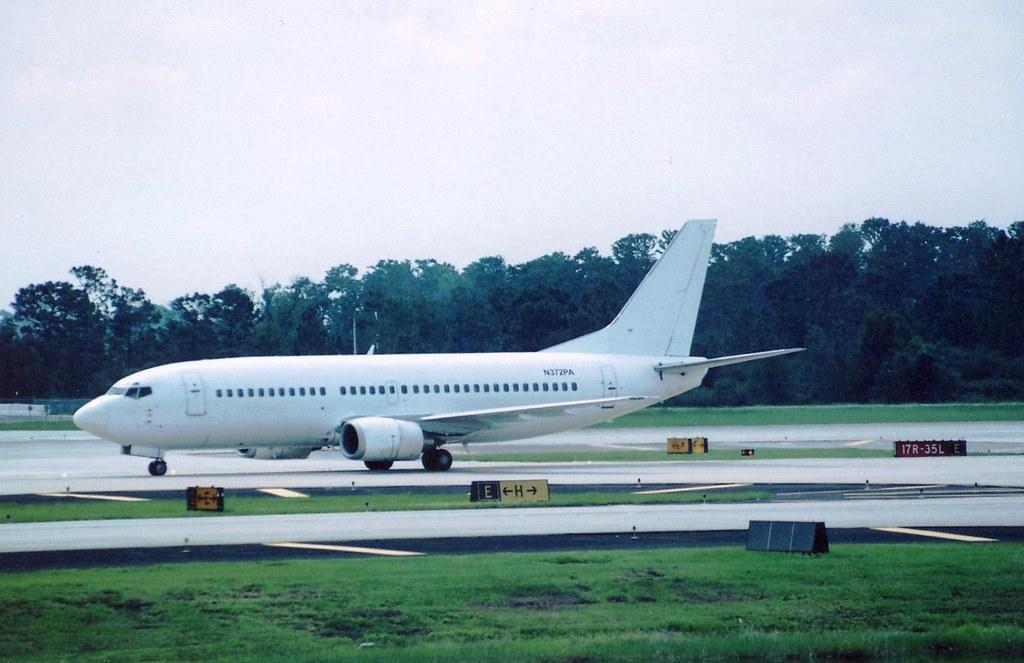 UNTITLED(VACATION EXPRESS) 737-300 N372PA(cn1349 ...